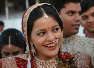 нат - кольцо или гвоздик в носу индианки