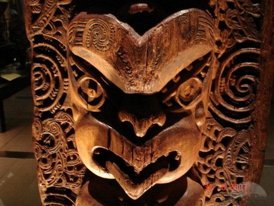 Жилище, украшенное резьбой племени Маори