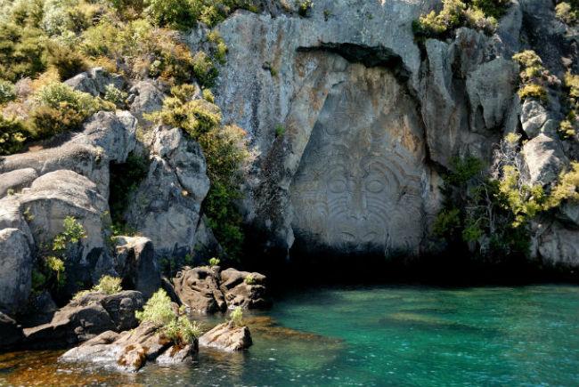 резьба по камню маори