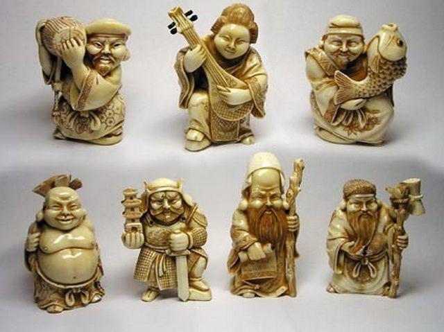 нэцке фигурки, изображающие 7 японских богов счастья