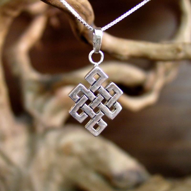 Серебрянный тибетский узел