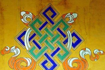 Тибетский узел на разных поверхностях
